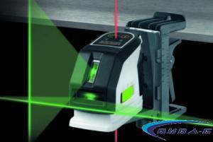 Зелен линеен лазер MasterCross-Laser 2GP в комплект с бързозарядно устройство 2